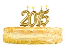 与蜡烛第2015的生日蛋糕被隔绝的 库存图片