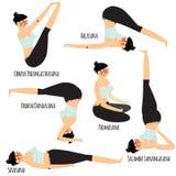 与行使各种各样的另外瑜伽的美丽的妇女的集合摆在训练 图库摄影