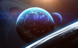 与行星、星和星系的宇宙场面在显示探险空间的秀丽外层空间 美国航空航天局装备的元素 免版税库存图片
