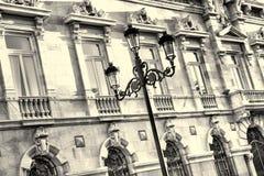 与街灯的门面 免版税库存照片