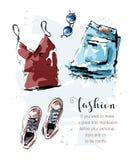 与衬衣、短裤、鞋子和太阳镜的手拉的时髦的集合 时尚成套装备 衣物集合 ?? 皇族释放例证