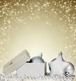 与被打开的礼物盒的闪耀的圣诞节背景 免版税图库摄影