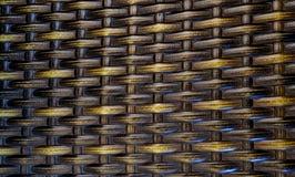 与被编织的竹茎的背景 免版税库存照片