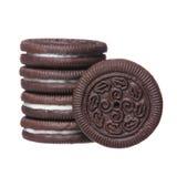 与被隔绝的奶油装填的巧克力曲奇饼 免版税库存图片