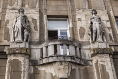 与被破坏的门面的老大厦 免版税库存照片