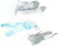 与被绘的污点和冲程的抽象水彩纹理 精美艺术性的背景 淡色蓝色和浅灰色 免版税库存照片