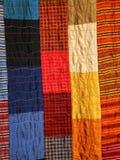 与裁缝做的织品各种各样的片断的补缀品 库存照片