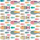 与装饰抽象几何鱼的传染媒介无缝的样式 皇族释放例证