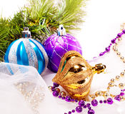 与装饰球的新年度背景 免版税库存照片