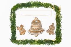 与装饰的圣诞卡 免版税库存照片