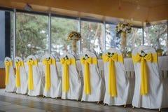 与装饰的婚礼桌 免版税图库摄影