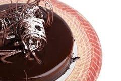 与装饰的巧克力蛋糕 免版税图库摄影