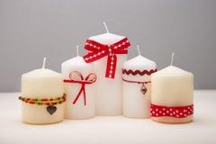 与装饰的蜡烛的背景。 免版税图库摄影