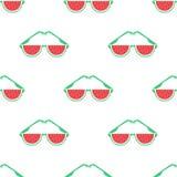 与西瓜玻璃的逗人喜爱的样式 也corel凹道例证向量 免版税库存图片