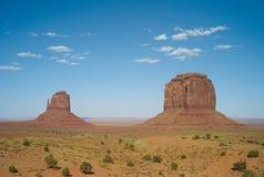 与西部手套小山-纪念碑谷,美国的风景 免版税库存照片