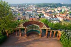 与观察平台的眺望台在Spielberk小山在一个晴朗的4月早晨 布尔诺捷克共和国 库存照片