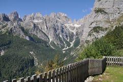 与观点,女低音阿迪杰,意大利的Brenta白云岩 免版税图库摄影