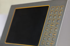 与触觉敏感的按钮的显示器在机器 库存照片