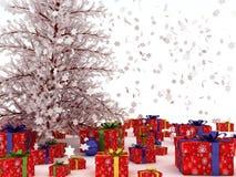 与许多的圣诞树礼品。 免版税图库摄影