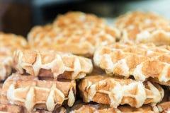 与许多的圣诞节食品批发市场比利时Wafles 免版税库存照片