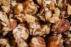 与许多的自创格兰诺拉麦片坚果 免版税库存照片