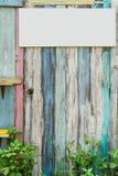 与许多颜色和背景的老木头 免版税库存图片
