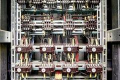 与许多3个阶段接触器和中转的电服务盘区 图库摄影