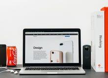 与设计的最新的iPhone 8和8加号, 免版税库存图片