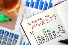 与词的笔记薄在哪里投资概念 库存图片