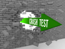 与词的箭头碰撞打破砖墙的测试。 免版税库存照片