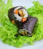 与豆腐和红萝卜的日本米梅基寿司卷材料 免版税库存图片