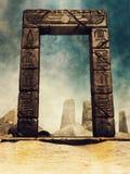 与象形文字的古老埃及曲拱 库存照片