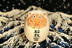 与象形文字的日本石图 免版税库存图片