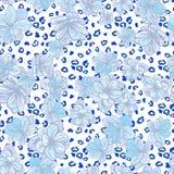 与豹子印刷品和蓝色花的五颜六色的无缝的样式 免版税图库摄影