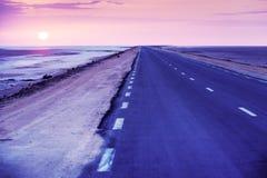 与路的风景 免版税库存照片