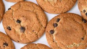 与转动巧克力的片的燕麦曲奇饼 影视素材