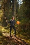与轴和南瓜的秀丽在森林里 图库摄影