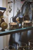 与辅助部件的两个蜡烛 免版税库存照片