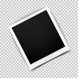 与透明阴影的老空的现实照片框架在格子花呢披肩黑色白色背景 免版税库存图片