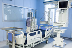 与透析设备的加护病房 库存照片
