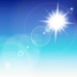 与透镜火光的太阳。 免版税库存图片