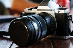 与透镜的数字照相机 免版税图库摄影