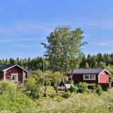 与逗人喜爱的小的村庄的殖民地庭院区域 免版税库存照片