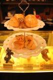 与逗人喜爱的熊的烤饼 库存图片