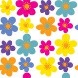 与逗人喜爱的花的无缝的背景 免版税库存图片