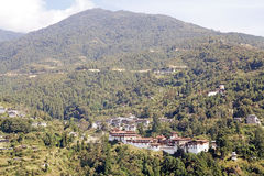 与通萨Dzong,通萨,不丹的风景 免版税库存照片
