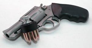 与速度装载者的一把不锈的左轮手枪 免版税库存照片