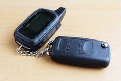 与遥控的汽车钥匙 免版税图库摄影