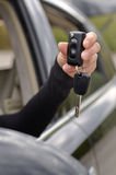 与遥控的汽车钥匙 免版税库存图片