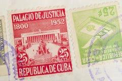 与邮戳的古色古香的古巴人邮票 葡萄酒历史的集邮 库存图片